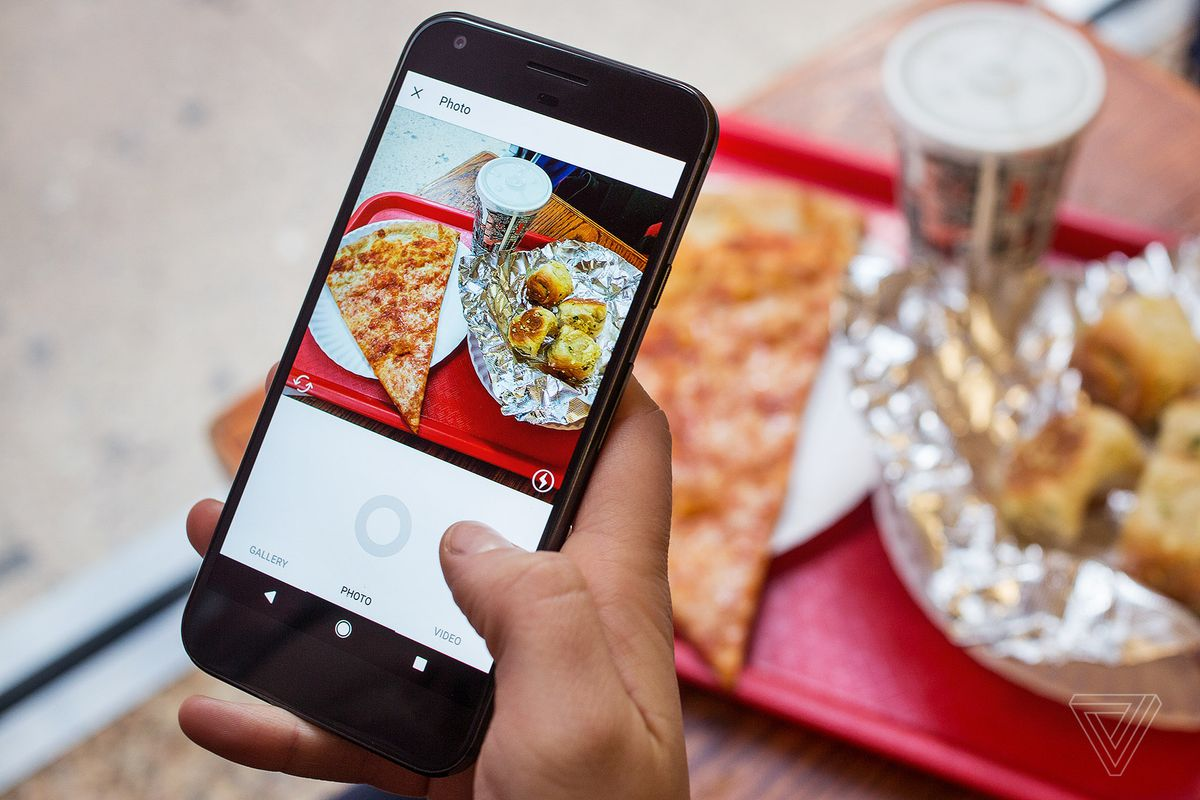 Instagram introduces carousel ads to Instagram Stories