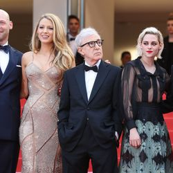 Corey Stoll, Blake Lively (in Atelier Versace), Woody Allen, Kristen Stewart (in Chanel), and Jesse Eisenberg (in a Louis Vuitton tuxedo) at the premiere of 'Café Society.'