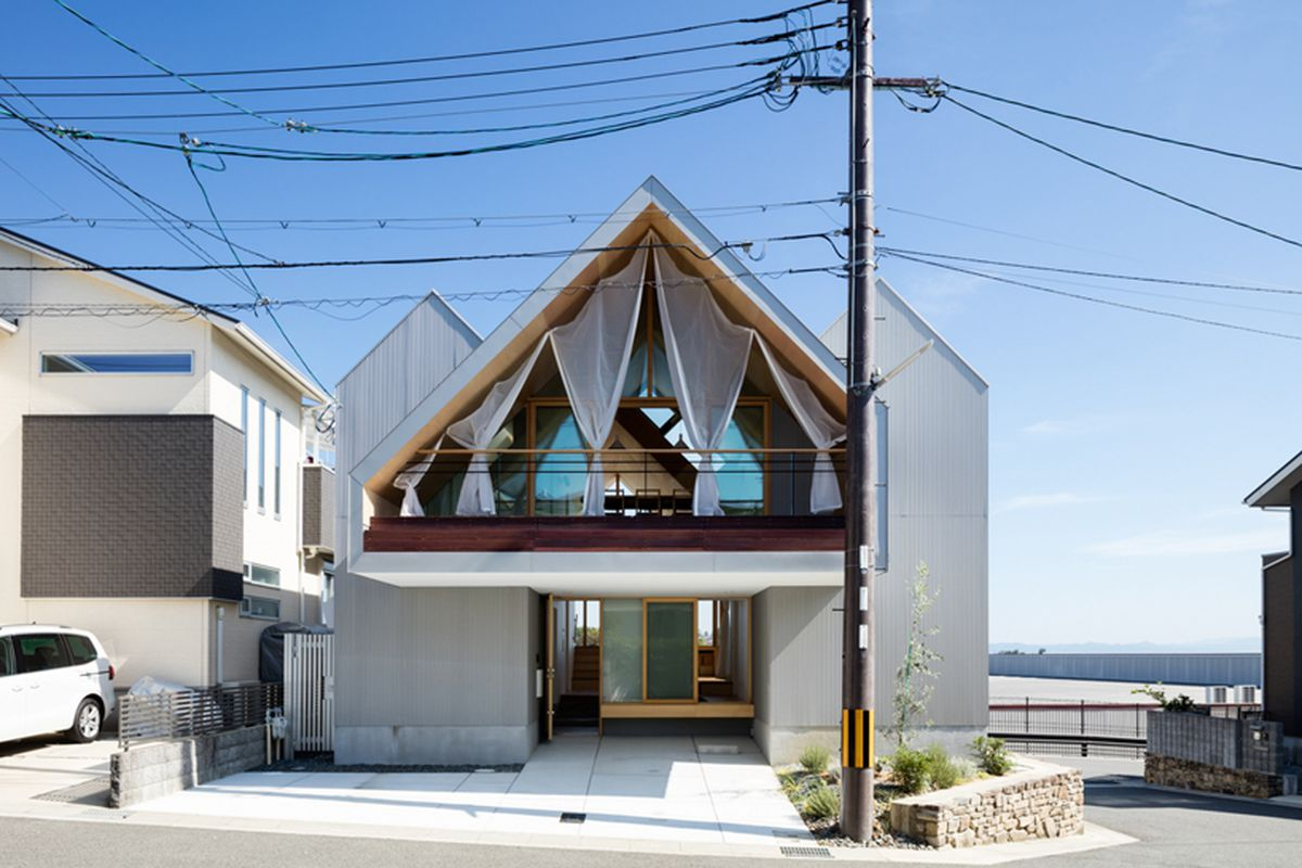 Breezy Japanese house is a clever indoor-outdoor dream - Curbed