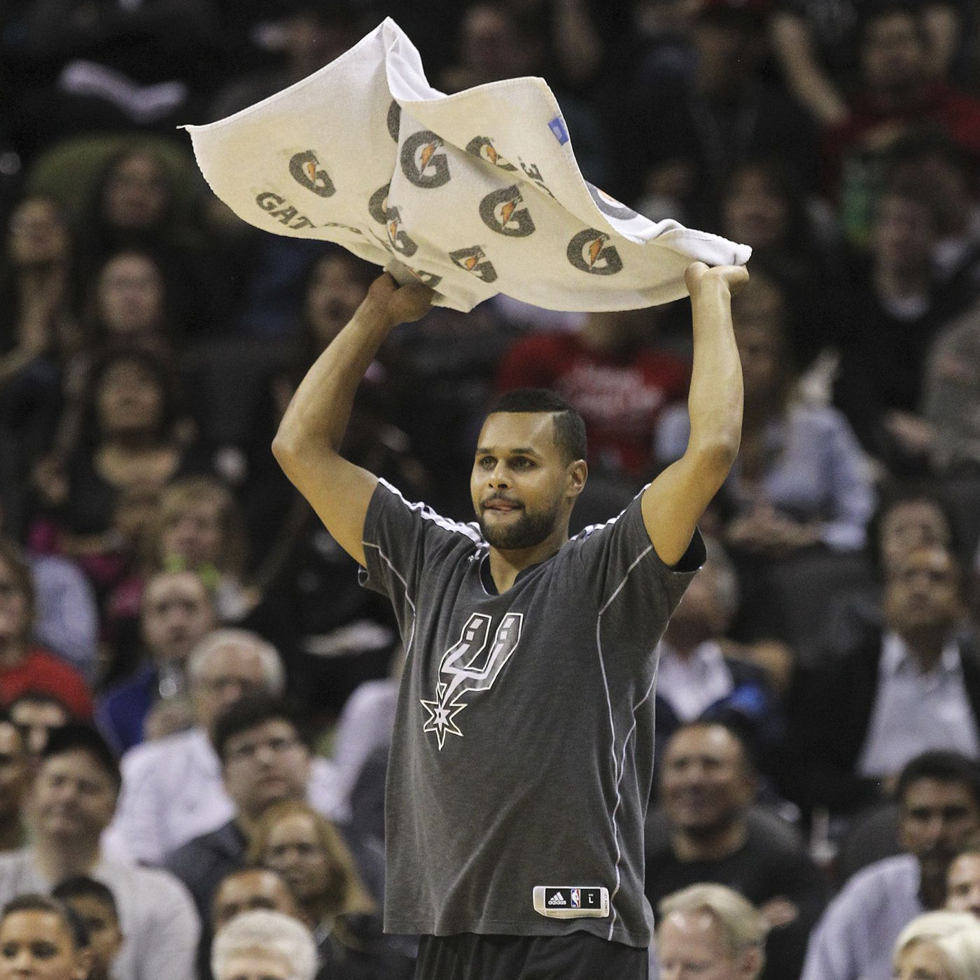 timeless design 87f95 debfd Who's the Better Towel Waver: Patty Mills or Chimezie Metu ...