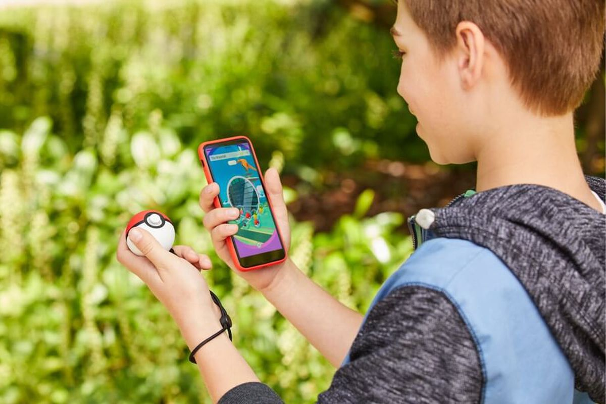 How to use the Poké Ball Plus with Pokémon: Let's Go! and