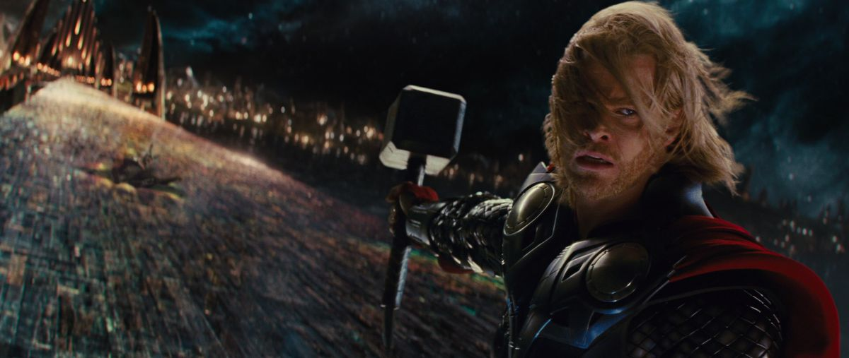 thor holds mjolnir on bifrost in the final Loki fight in Thor 1