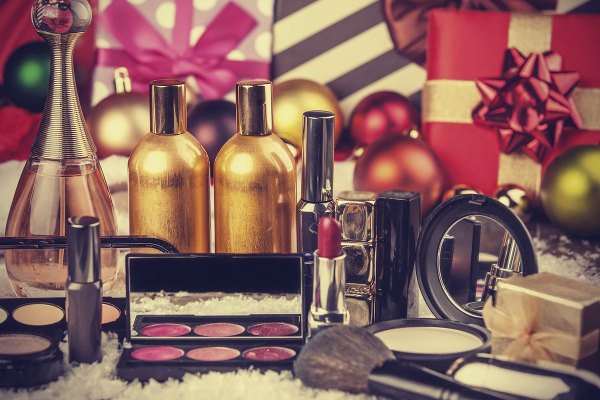The best beauty gift sets to buy yourself this holiday season racked photo getty images solutioingenieria Gallery