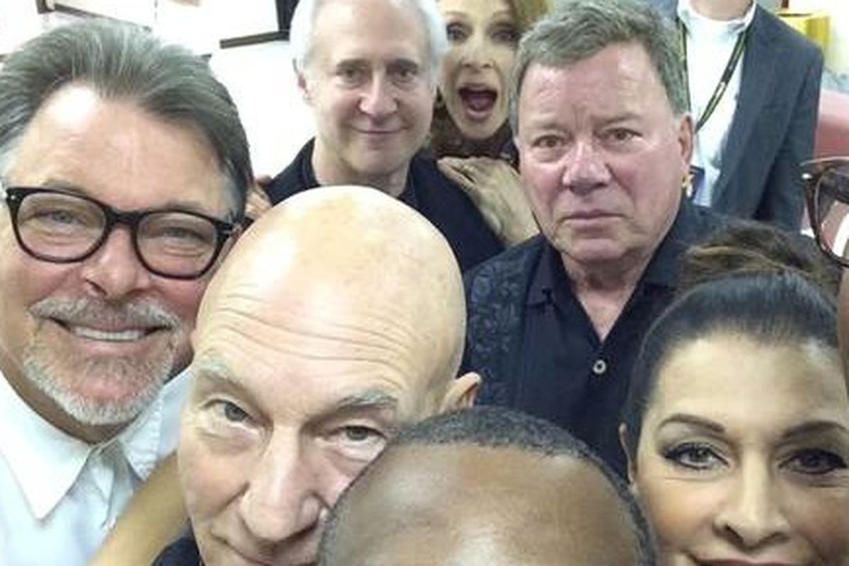 Cast members of 'Star Trek: The Next Generation' and William Shatner pose in a selfie taken at the 2014 Wizard World Comic-Con in Chicago