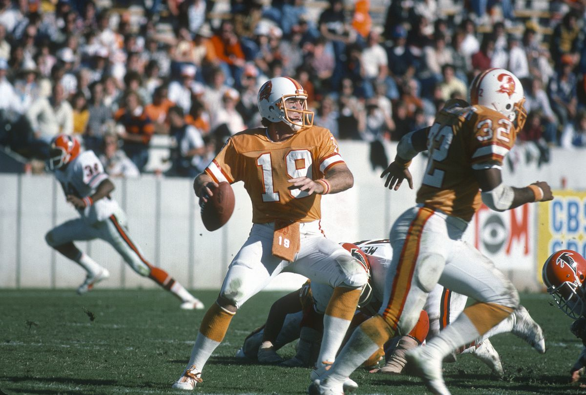 4bb5cc7fd90 The Buccaneers  old creamsicle uniforms are beautiful. Shut up ...
