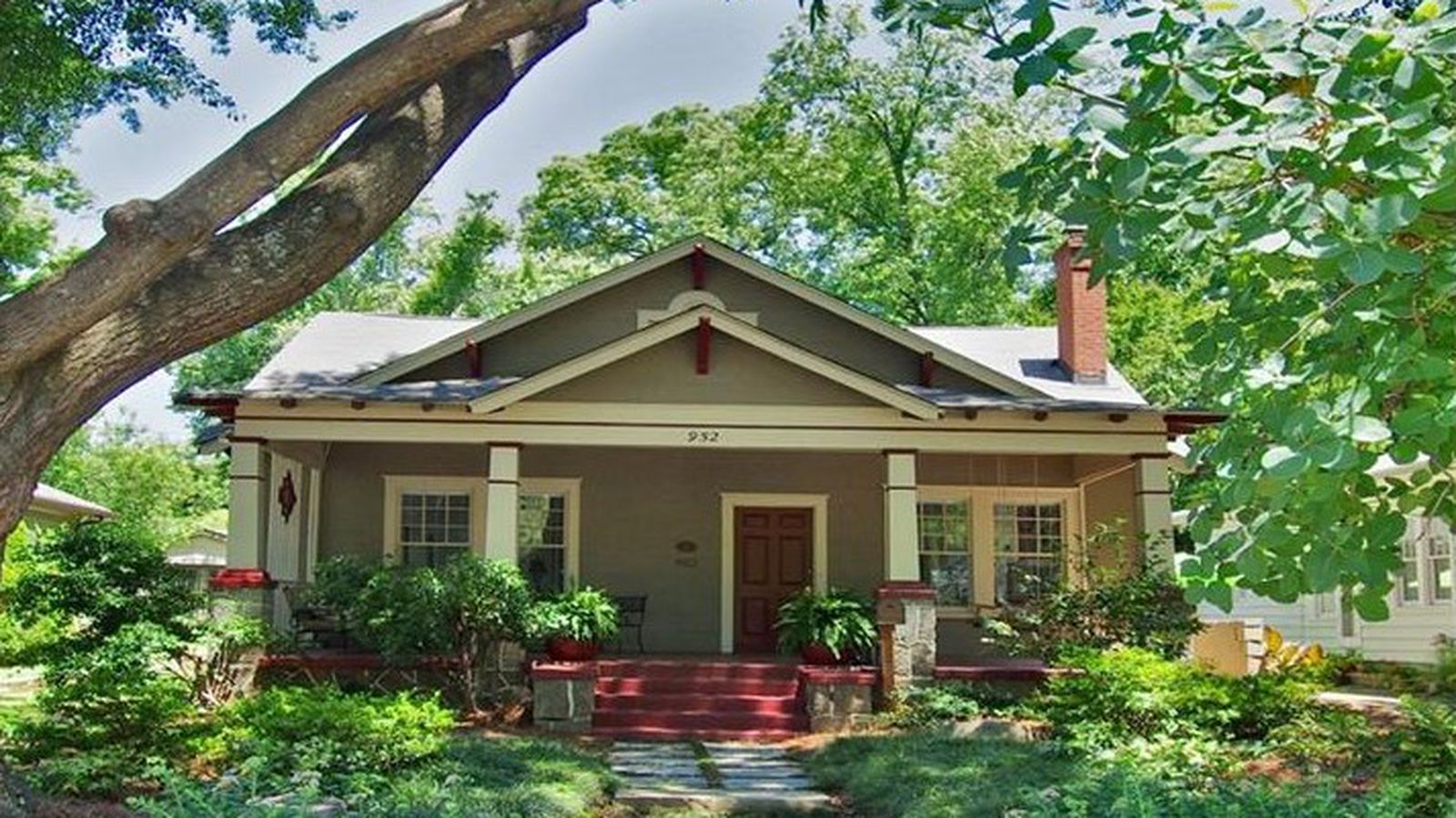Historic 1915 craftsman hopes for 849k in virginia for Craftsman style homes for sale in northern virginia