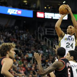 Utah Jazz small forward Richard Jefferson (24) shoots a pull jumper in the second half of a game at the Energy Solutions Arena on Wednesday, October 16, 2013.
