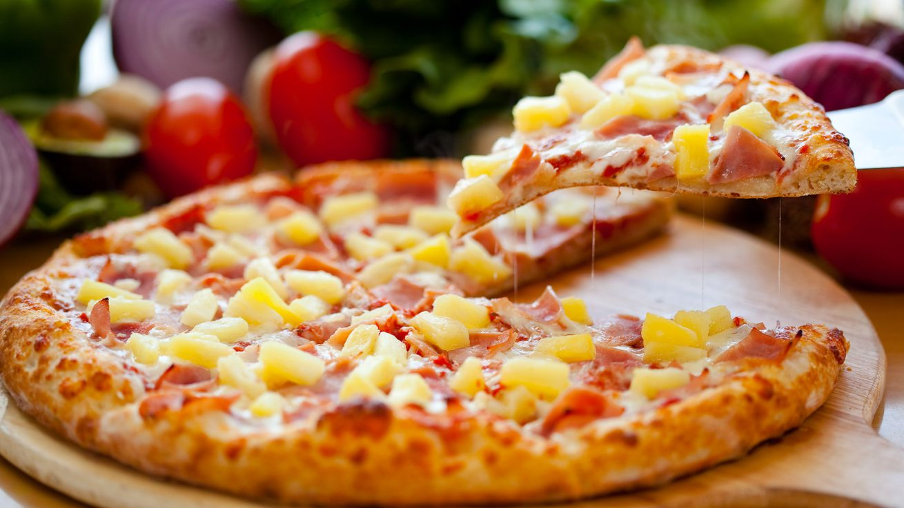 Hawaiian Pizza Inventor Sam Panopoulos Has Died