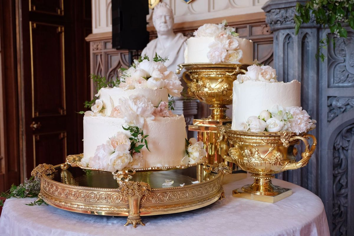pictures of royal wedding cake 2018 royal wedding cakes the years eater 18428
