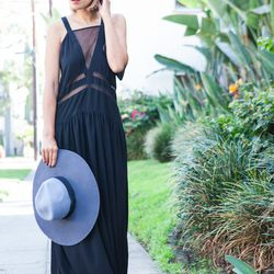 """Taye of <a href=""""http://www.stuffshelikes.net""""target=""""_blank"""">Stuff She Likes</a> is wearing a <a href=""""http://www.theiconic.com.au/Castle-in-the-Sky-Maxi-154071.html?wt_af=au.affiliate.zanox.1517766.banner.campaign&utm_source=zanox&utm_medium=affiliate&u"""