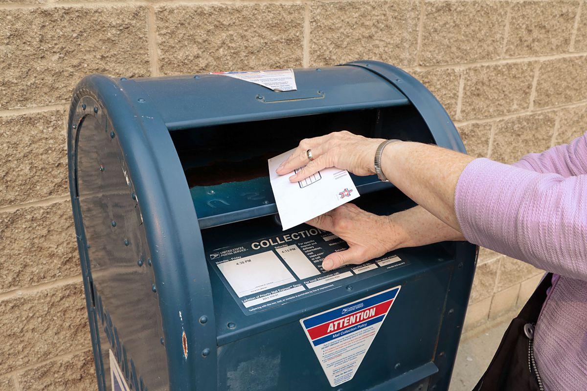 United States Postal Service blue box