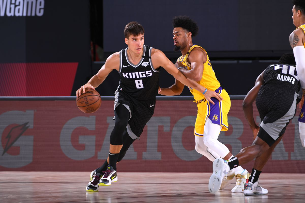 Bogdan Bogdanovic of the Sacramento Kings drives to the basket against the Los Angeles Lakers on August 13, 2020 at The Field House in Orlando, Florida.