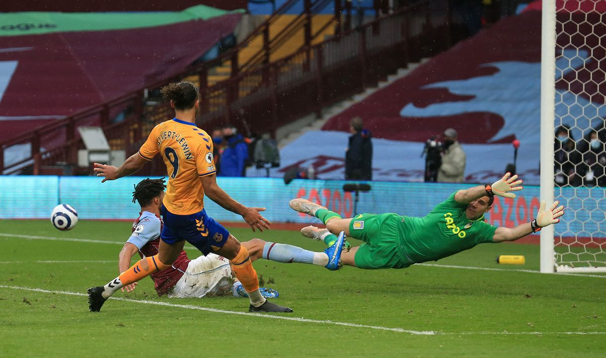 Aston Villa v Everton - Premier League - Villa Park