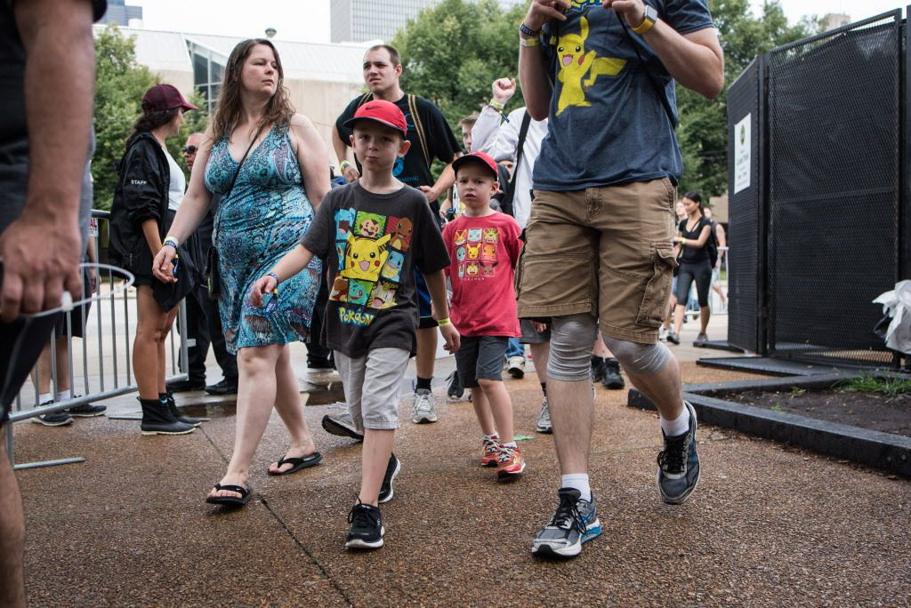 Before the glitches, people entering Grant Park for the Pokémon Go Fest. | Max Herman/Sun-Times