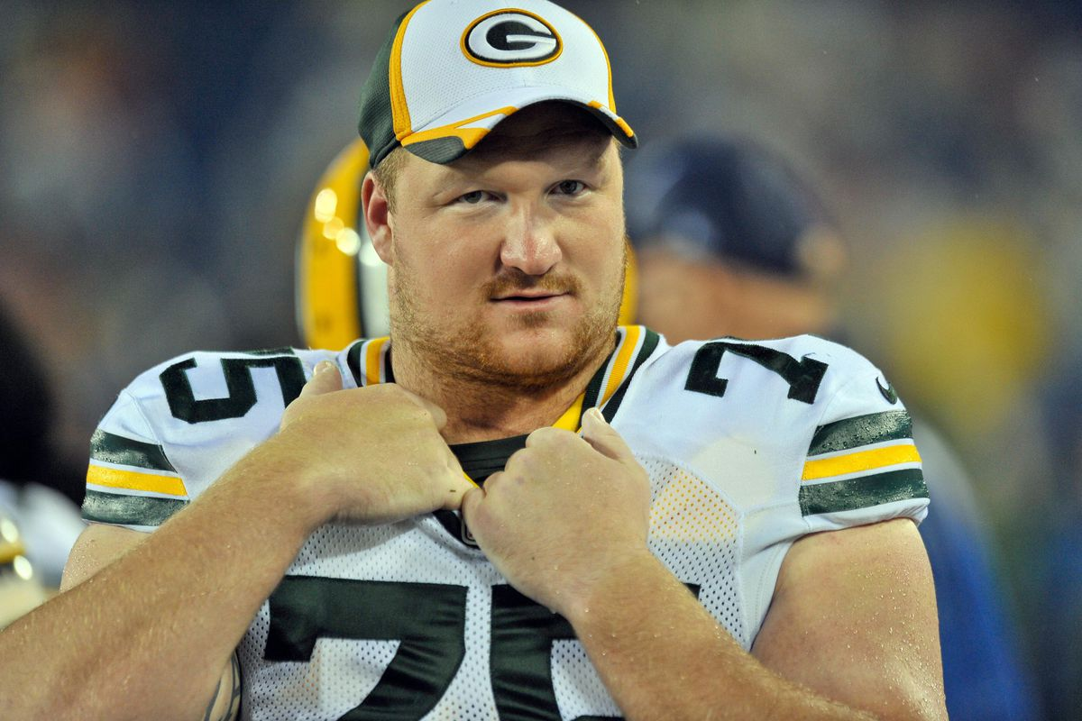 Packers RT Bryan Bulaga Tore MCL According to Report Acme