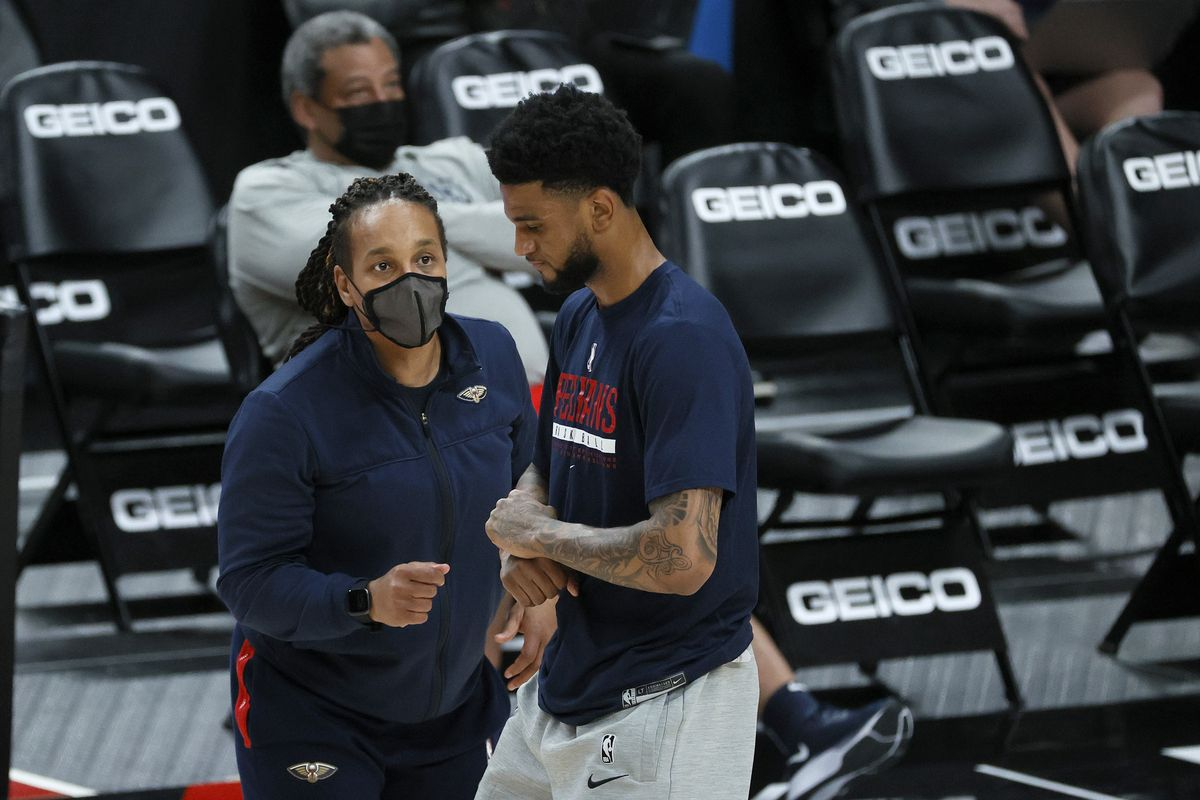 Assistant coach Teresa Weatherspoon instructs Nickeil Alexander-Walker of the New Orleans Pelicans before the game against the Portland Trail Blazers at Moda Center on March 18, 2021 in Portland, Oregon.