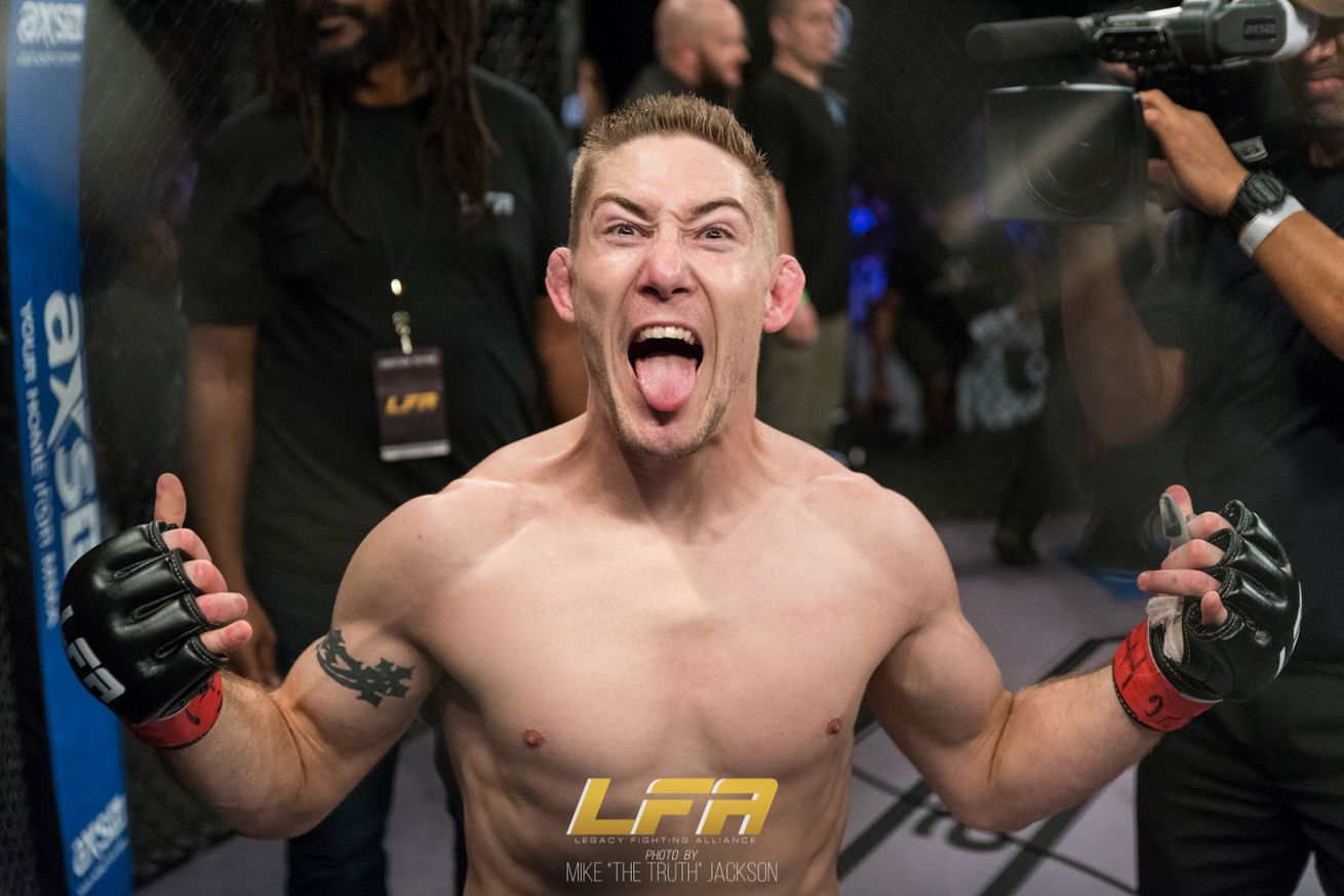 Derrick Krantz (pictured) will fight Vicente Luque in a welterweight bout at UFC Rochester this Saturday