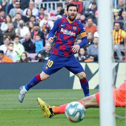 Just the FOUR for Messi against Eibar