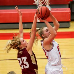 Springville and Maple Mountain compete in a girls basketball game in Springville on Tuesday, Jan. 26, 2021.