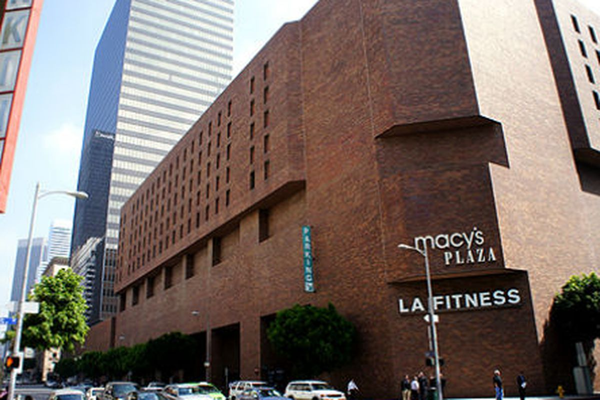 """Macy's in DTLA. Photo via <a href=""""http://brighamyen.com/2012/03/30/lipstick-on-a-pig-7-million-renovations-planned-for-macys-in-downtown-los-angeles/"""">Brigham Yen</a>."""
