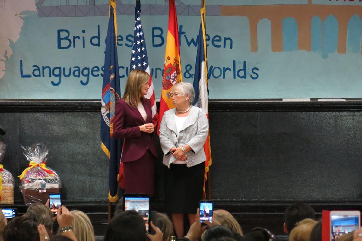Queen Letizia of Spain speaks with Schools Chancellor Carmen Fariña at Dos Puentes Elementary School.
