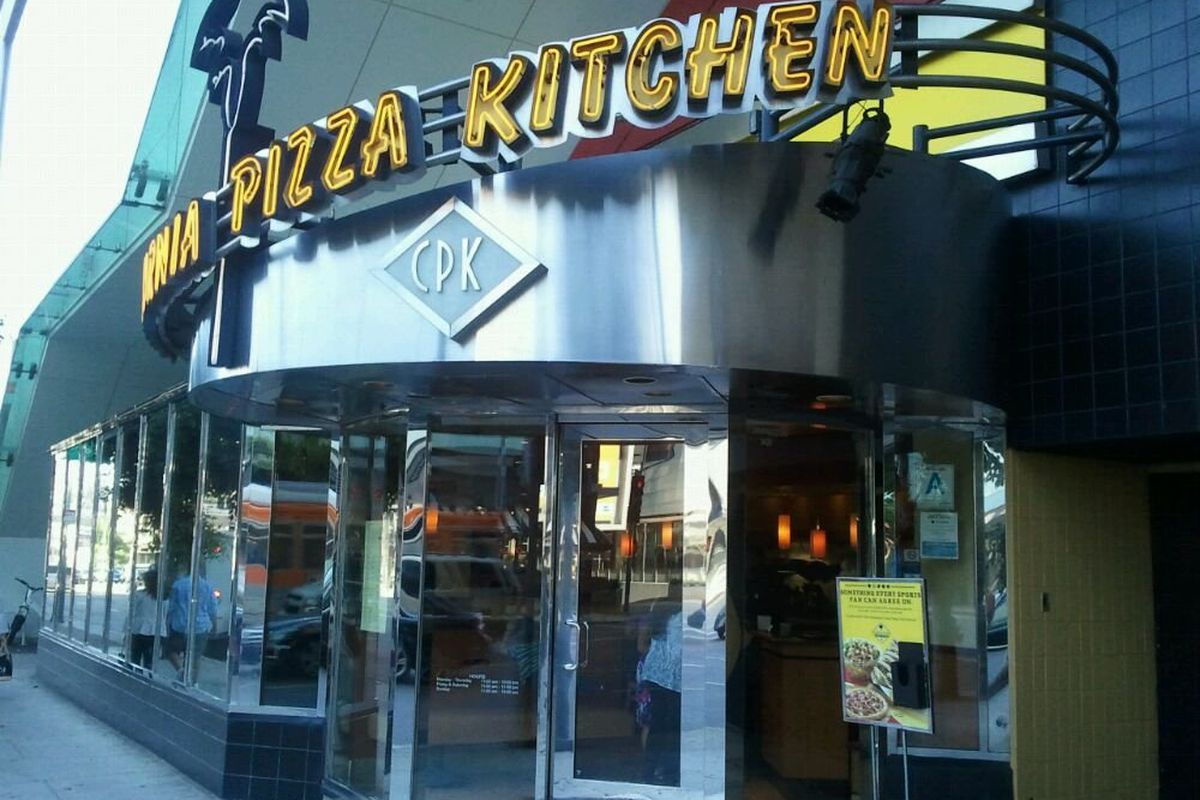 California Pizza Kitchen Held Out at the Beverly Center as Long as ...
