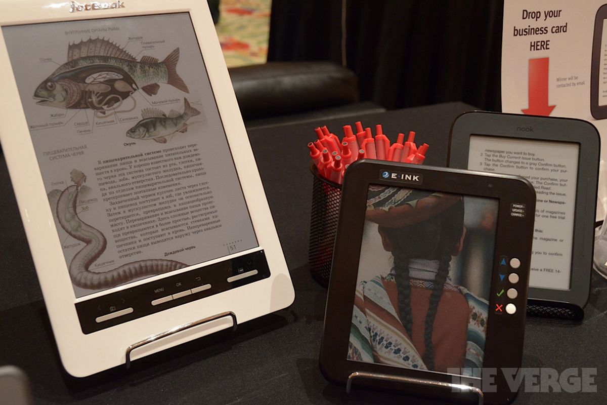 Gallery Photo: Ectaco Jetbook Color and E Ink prototypes hands-on pictures