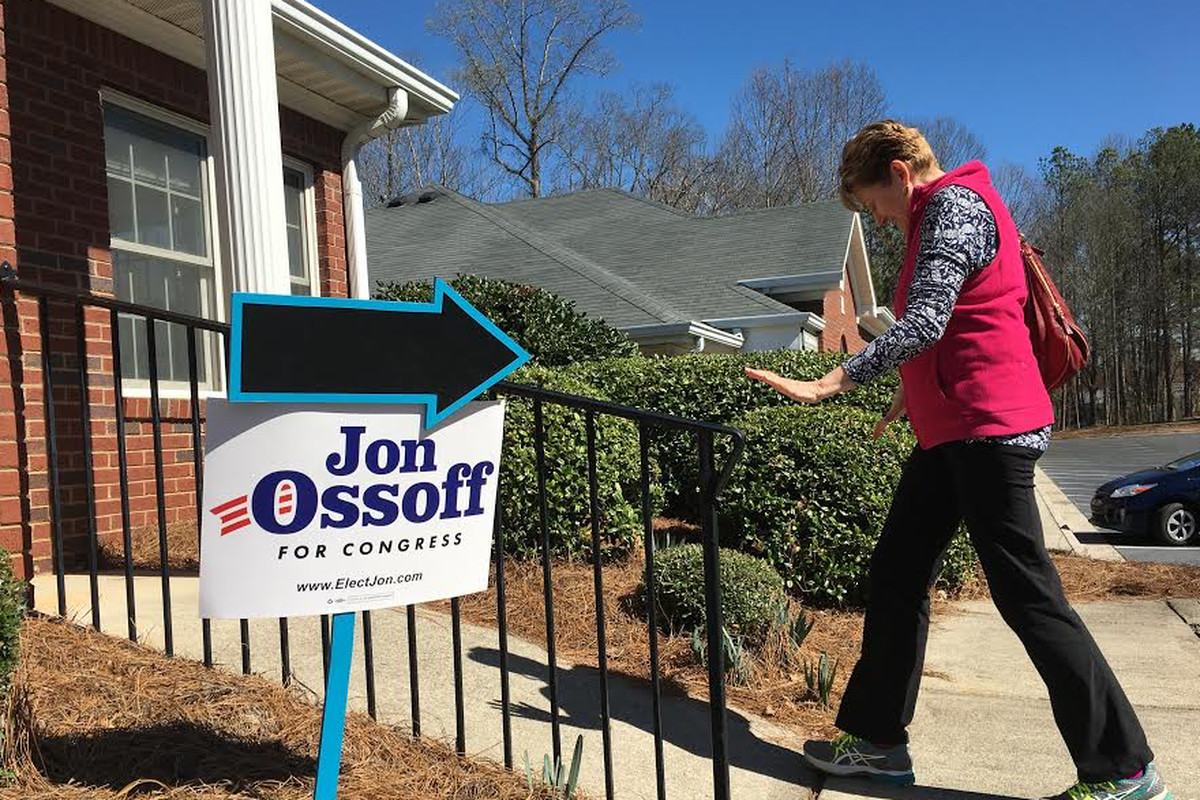 First-time canvasser Karley Barber, 54, enters the campaign headquarters of Democrat Jon Ossoff in Roswell, Georgia. (Vox / Jeff Stein)