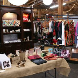 """<span class=""""credit"""">Photo <a href=""""http://la.racked.com/archives/2014/04/28/photos_inside_new_marketplace_arts_district_flea_in_downtown.php"""">via</a></span>"""