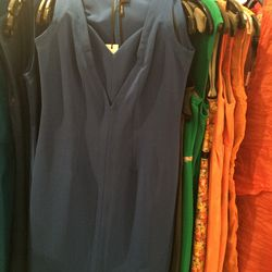 Dress, size 6, $175 (was $1,090)