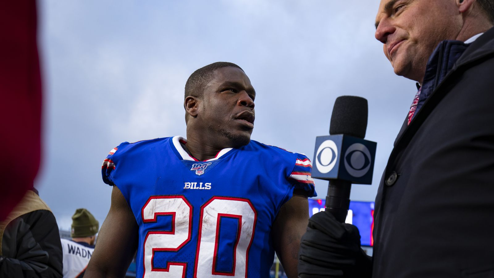 Vote: What should the Bills do with Frank Gore this offseason?