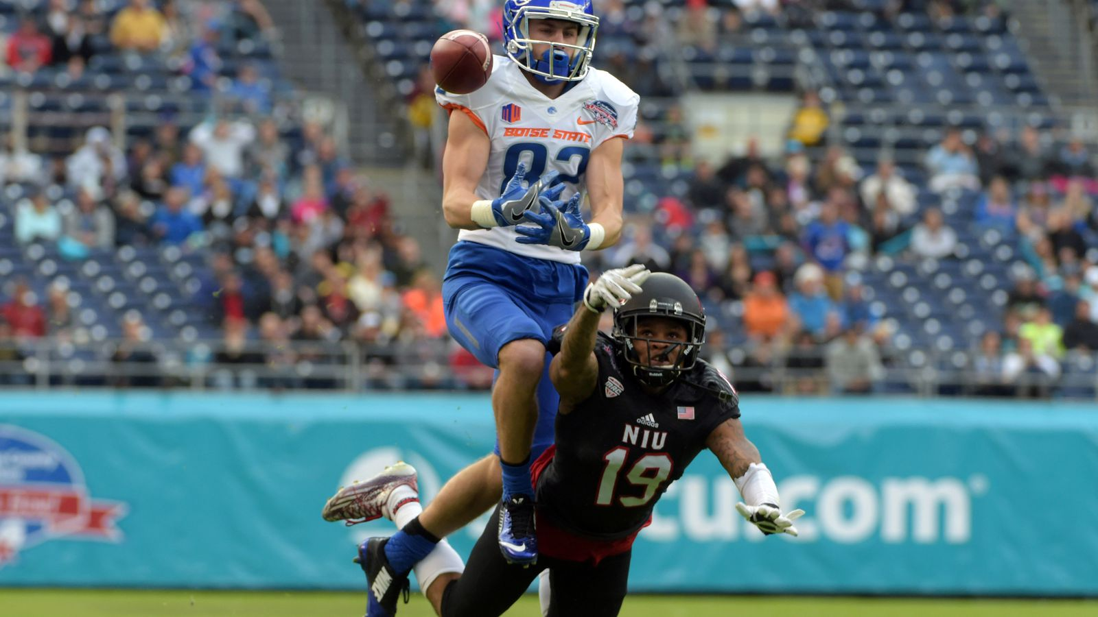"""Official: Thomas Sperbeck made """"catch of the year"""" against ..."""