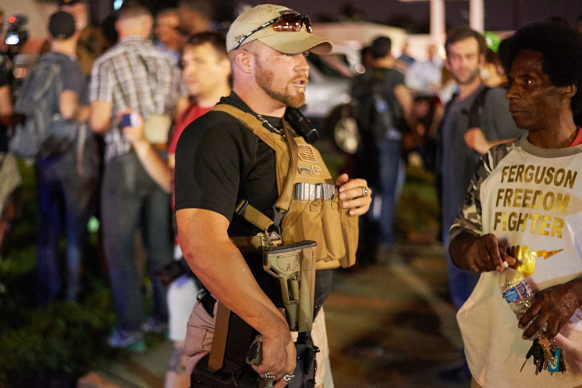 Oath Keepers: The heavily armed white vigilantes in Ferguson ...