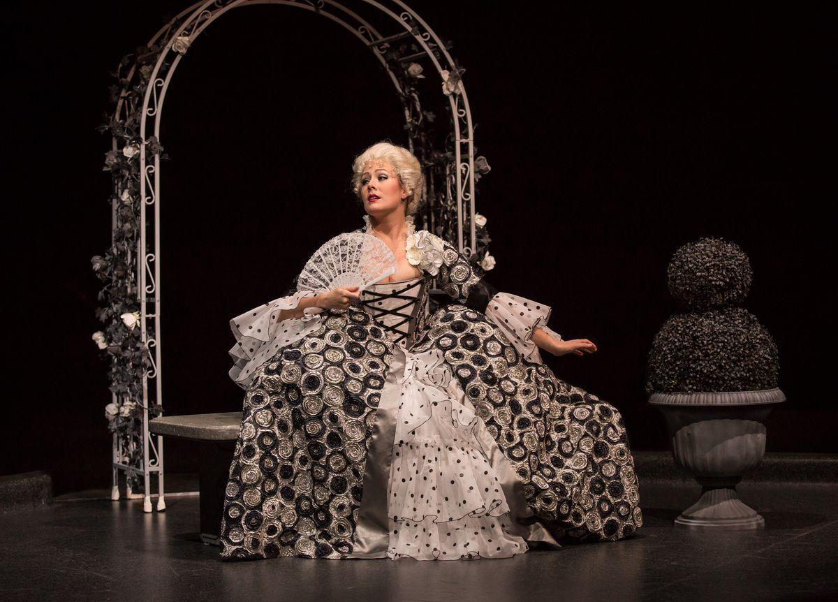 "Alexandra Palkovic plays Lina Lamont in the Marriott Theatre production of ""Singin' in the Rain.""   Liz Lauren"