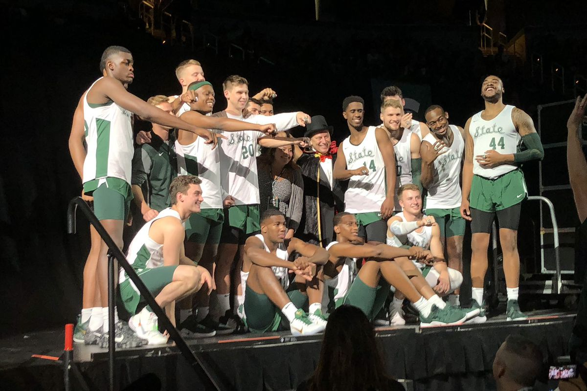 Michigan State men's basketball team poses for a group photo at Michigan State Madness Oct. 5, 2018.