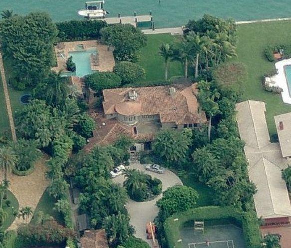 star island is a tiny neighborhood of massive houses