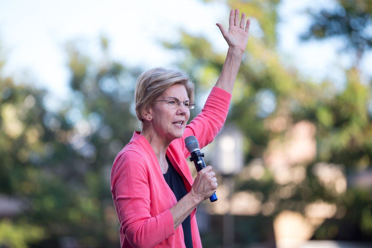 Sen. Elizabeth Warren Holds New Hampshire Town Hall