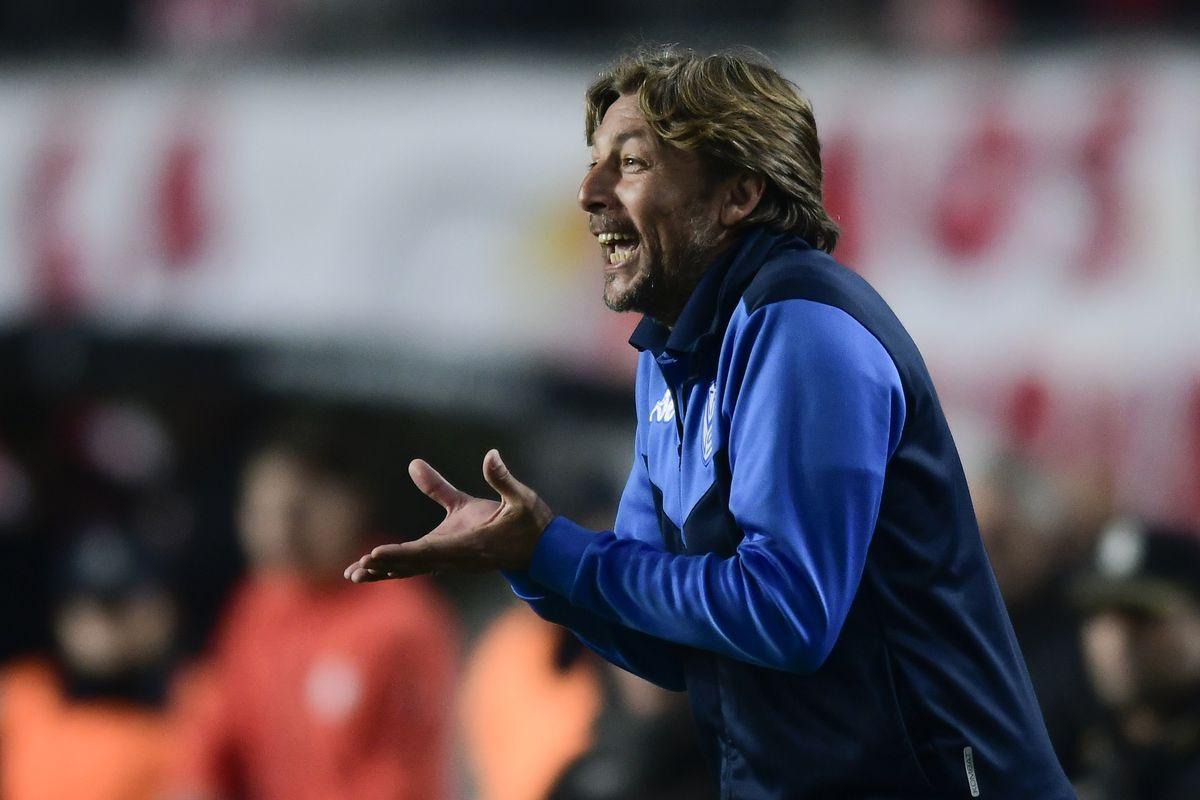 Estudiantes v Velez - Superliga 2019/20