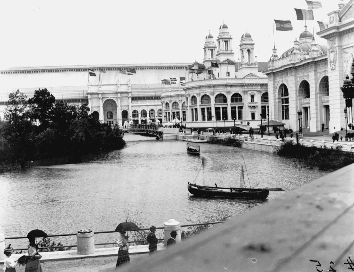 As chief planner for the 1893 World's Columbian Exposition, Daniel Burnham turned a lakefront swamp 8 miles south of downtown into a beautiful, but temporary, city.