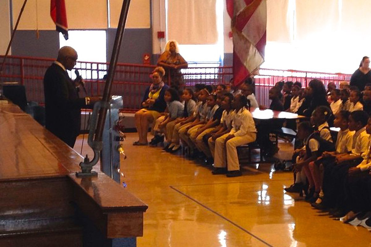 Memphis Mayor A C Wharton speaks with students during a recent visit to Westwood Elementary School. Wharton is pressing for a compromise in a protracted dispute over school funding in Shelby County.