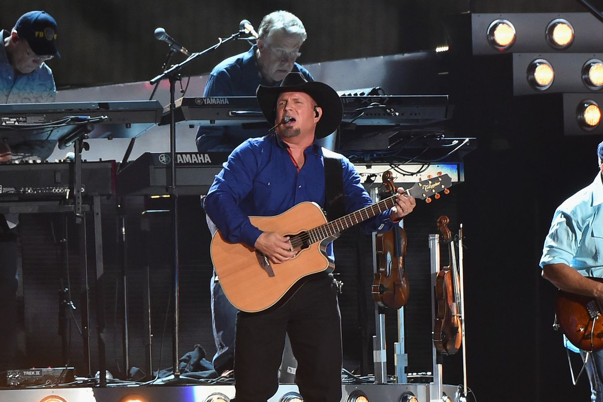 Garth Brooks Christmas Album.Now Amazon Has A Music Exclusive Too It S The Only Place To Stream