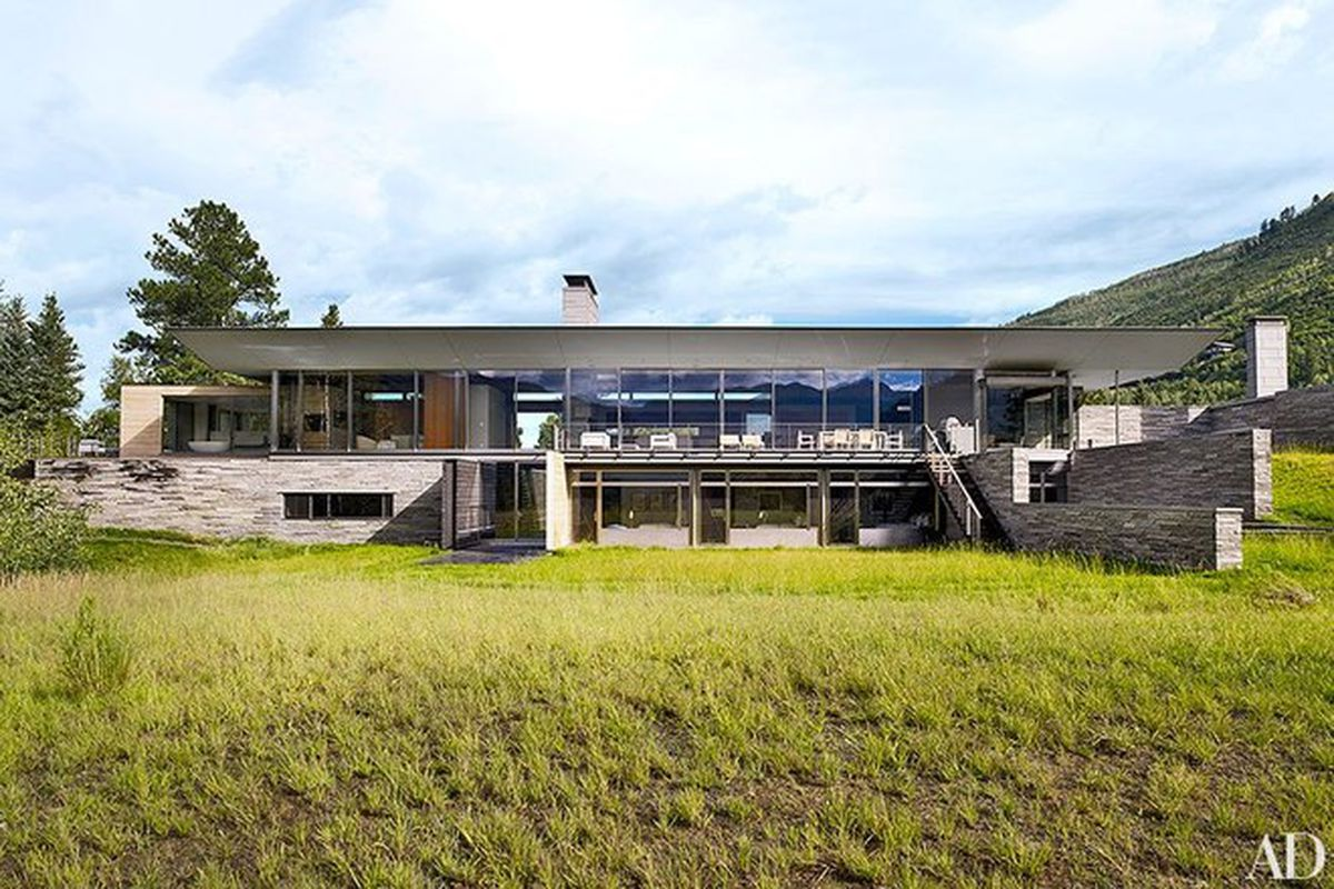 "All photos by William Waldron via <a href=""http://www.architecturaldigest.com/decor/2015-06/bohlin-cywinski-jackson-shelton-mindel-associates-designed-aspen-home-article"">Architectural Digest</a>"