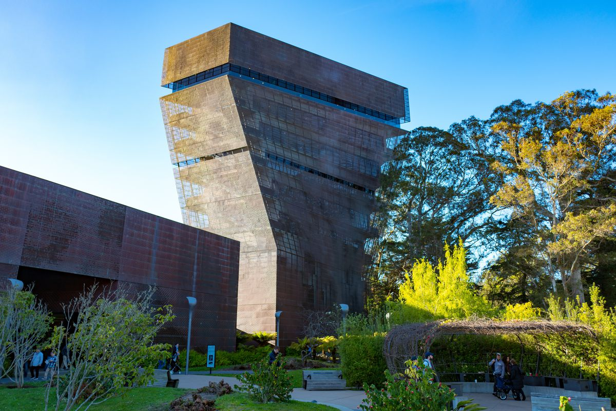 Deyoung Tower