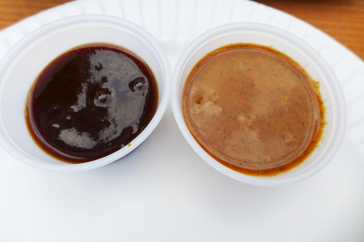 Plum sauce and mustard sauce