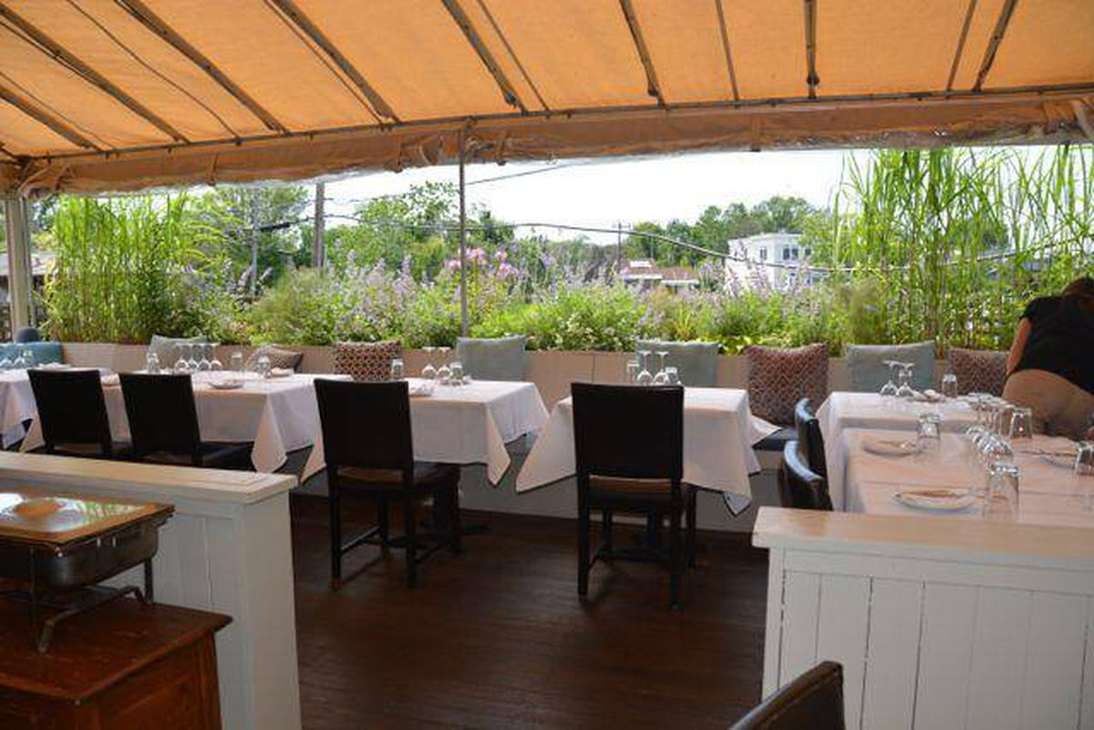 Where to Eat in the Hamptons Before Summer Ends - Eater NY