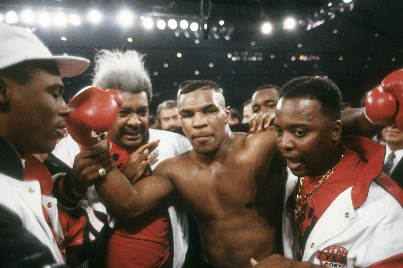 1197960327.jpg.0 - A look back at the destruction of young Tyson with matchmaker Ron Katz
