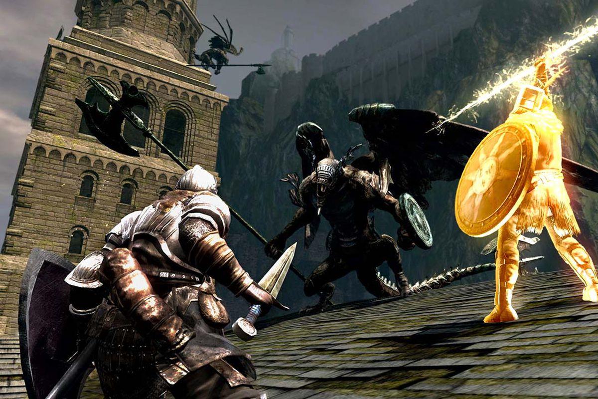 A knight and sun warrior battle a gargoyle in a screenshot from Dark Souls Remastered