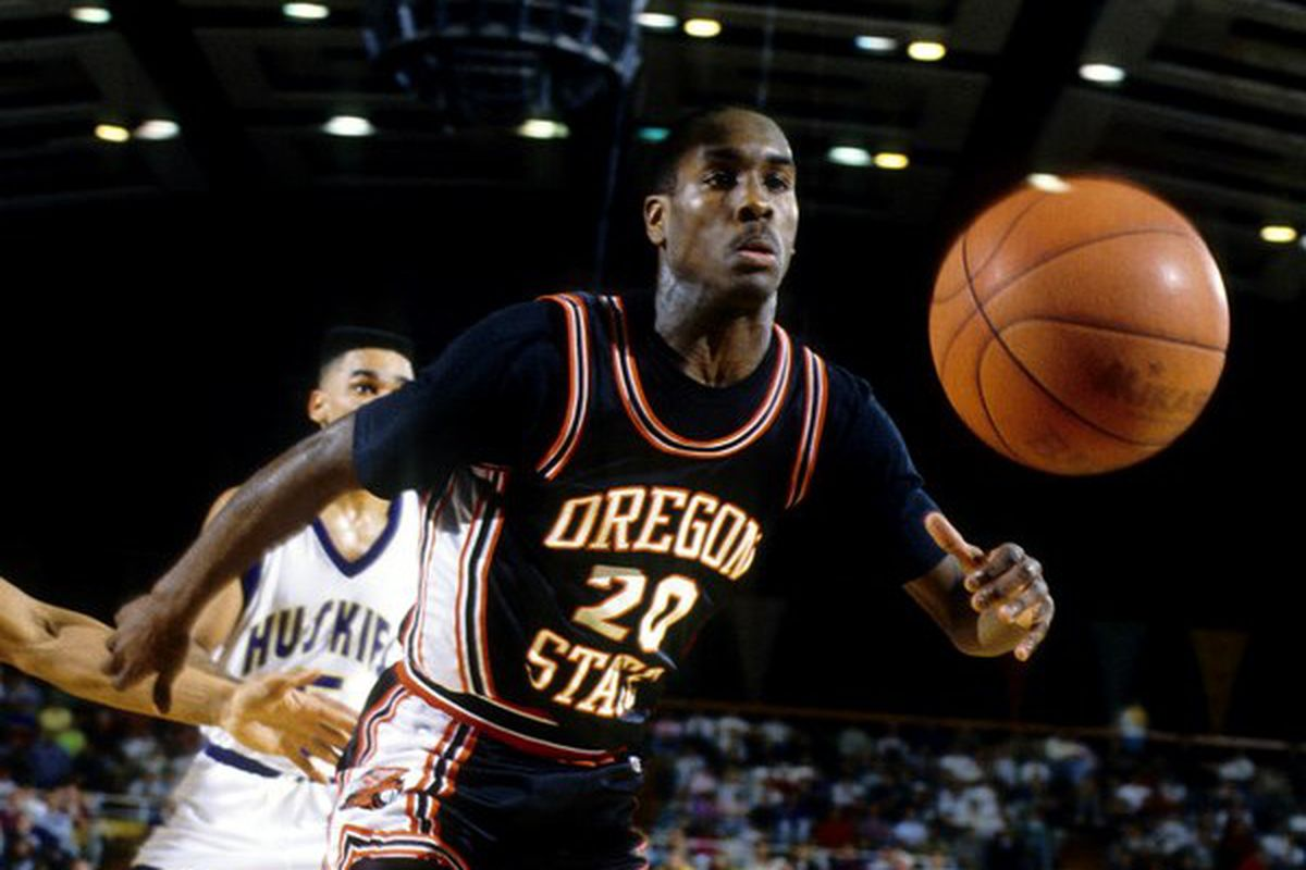 Oregon St. great Hall of Fame inductee Gary Payton will be honored at tonight's game.