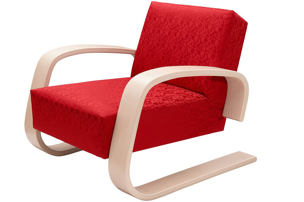 Supreme remixes aaltos iconic tank chair for new collection