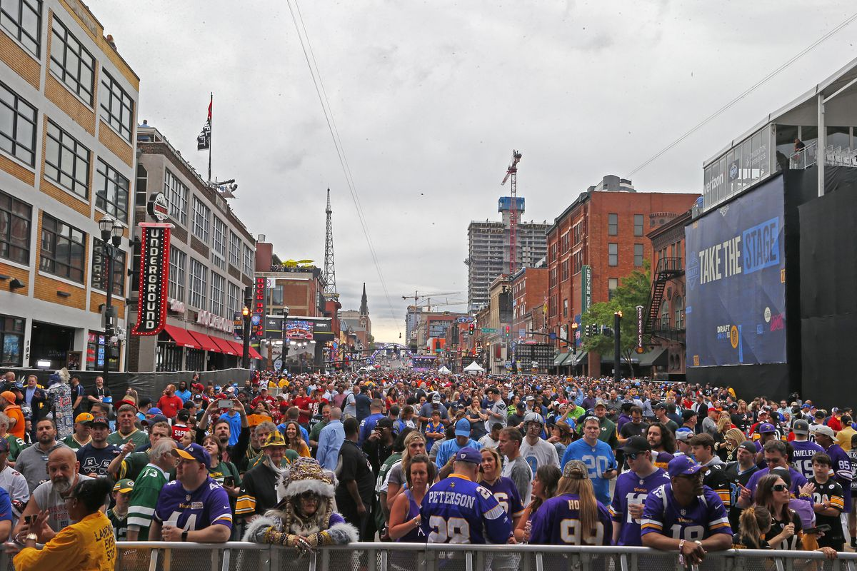 07270093 Nashville's NFL Draft was a smashing success for the city and its ...